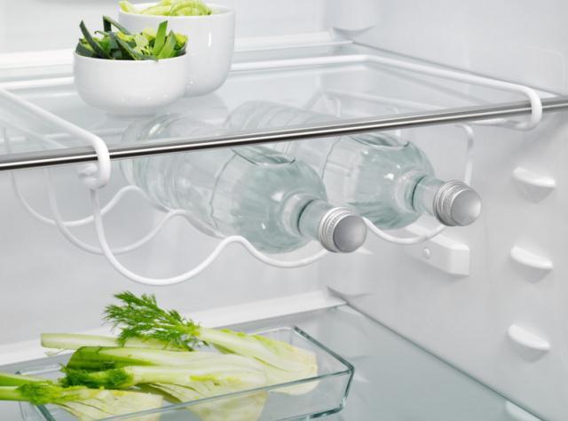 Držák lahví Electrolux do chladničky 3 lahve / 6 plechovek